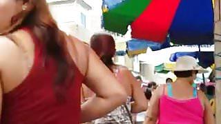 LATINA CON GRAN CULO SE LE MARCA EL CALZON HOT ASS !! (2)