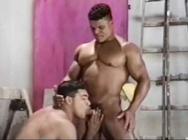 Muscle bodybuilder hard ass sex and cumshot
