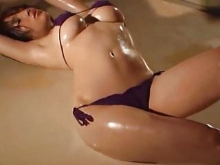Download video bokep Model pakai mini bikini Mp4 terbaru