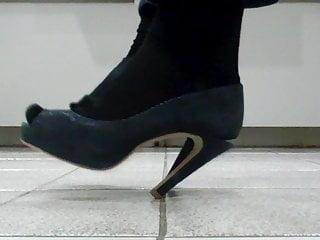 aye aye ..need repair her broken heels before she comes back