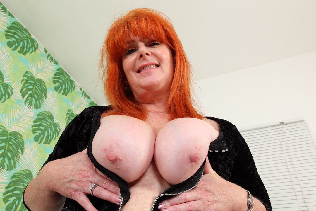 Free download & watch redhead milf ginger tiger toys her freckled fanny          porn movies