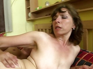 Download video bokep Dirty home stories with mature moms Mp4 terbaru