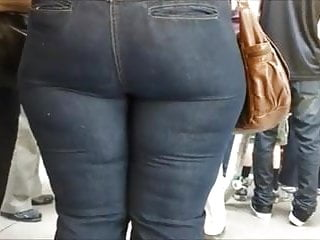 Milf Mature in tight jeans big ass butt mom phat booty4