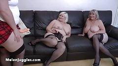 Тетушки с огромными сиськами используют молодую лесбиянку-толстушку для секса