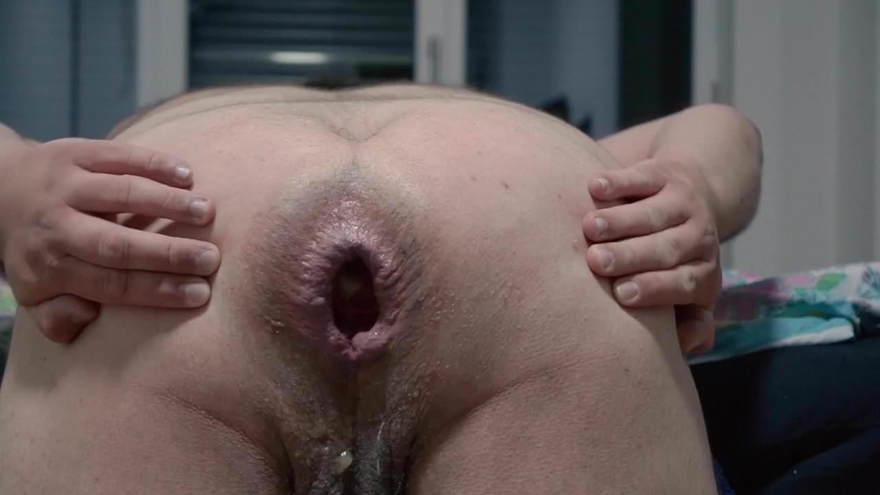 фистинг рукой ануса толстушки