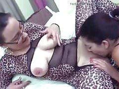 Arab sexy lesbian