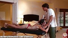 MommyBB MILF & Mature Amber Rain having a dirty Massage!