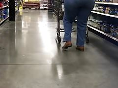 Grandma got a big round booty