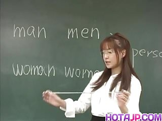 Preview 1 of Manami Suzuki is pumped in the classroom