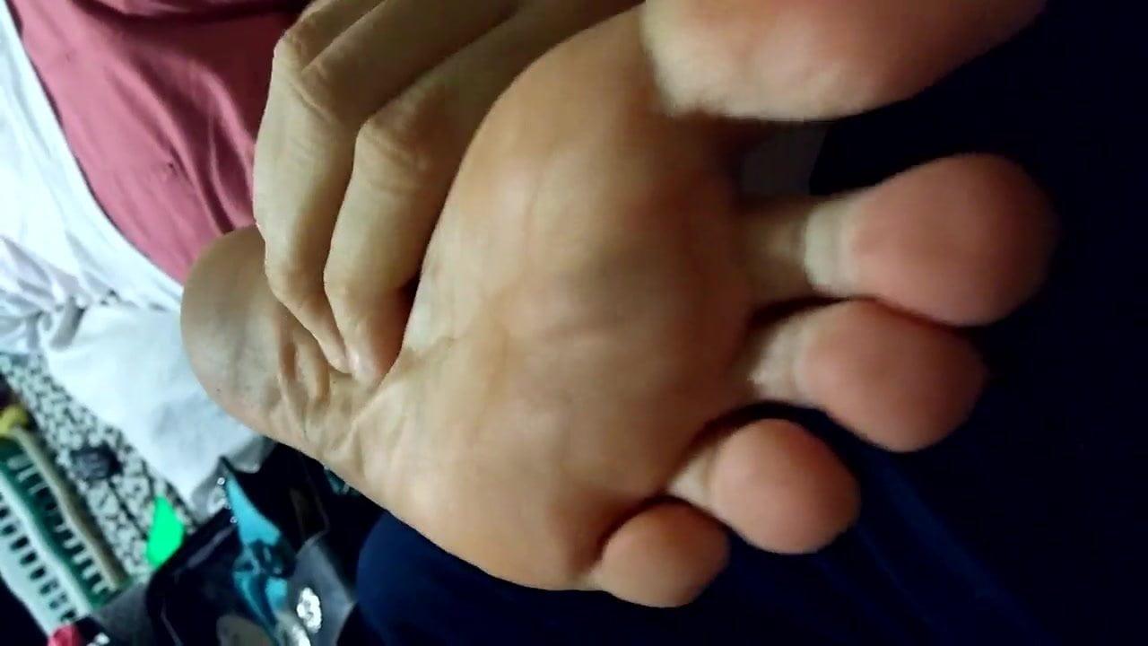 Rubbing wife's aunt's feet pt.2