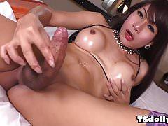 Ts Anna masturbating with vibrator