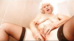 Granny Norma and her Sextoy