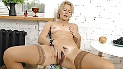 Mature Blonde MILF Diana V Plays With Her Hairy Pussy's Thumb