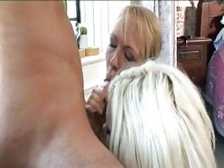 Download video bokep Delta White & Alysha Leigh Mp4 terbaru