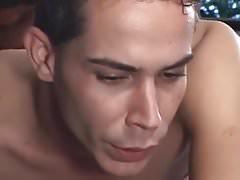 Morena Travesti fode com 2 machos na sinuca na pele