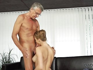 Bf Was Out Of House So Slut Decided To Have Fun With Daddy