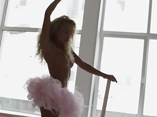 Blonde babe Julia Reutova arousing us in this erotic HD vide
