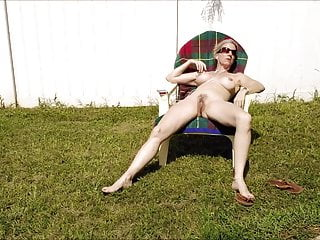 Download video bokep Sexy MILF Sunbather Mp4 terbaru