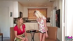 SEXYMOMMA - Stepmom lets her inner dyke loose with a teenie