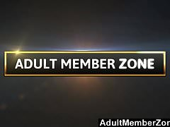 AdultMemberZone - Brooklyn just loves a self-given poolside