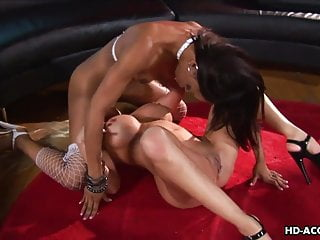 Black babe gets to be pussy licked hard