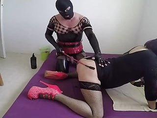 Crossdresser fucked by dominant tranny