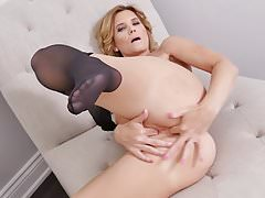 Canadian milf Alby finger fucks her ass