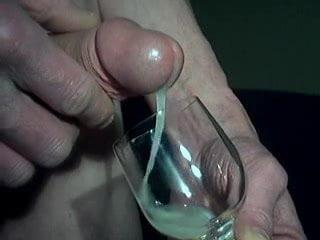 реальная полная бутылка спермы хотела
