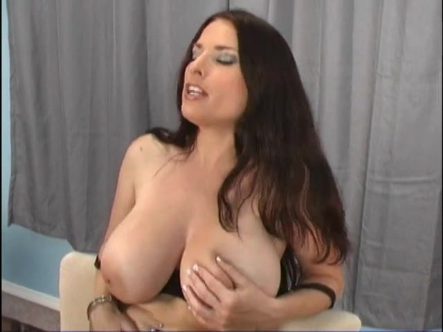 Danielle Fishel Boobs