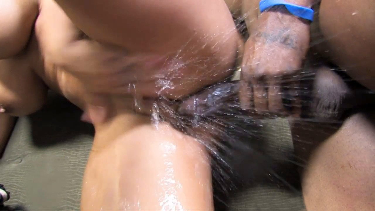 squirting free video clips