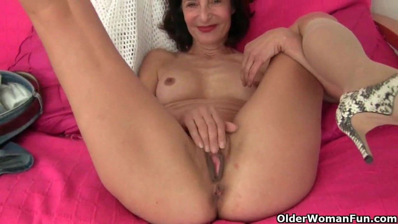 Grandma Emanuelle's pussy looks so inviting