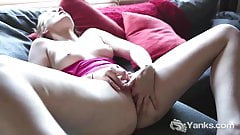 Yanks Blondie Courtney R Rubs Her Muff