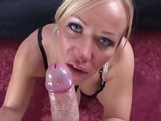 Milf Head  Super Duper Blonde Mom