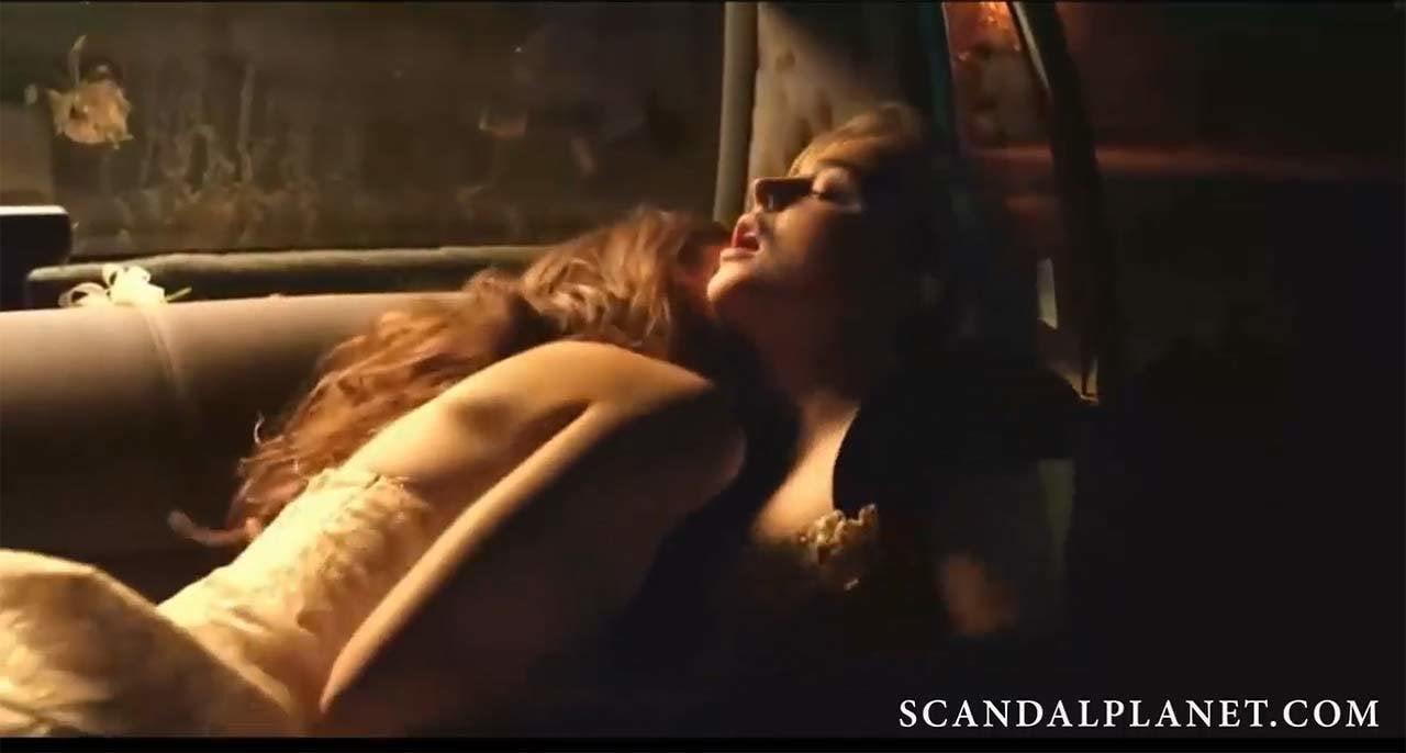 chloe lesbian sex scene