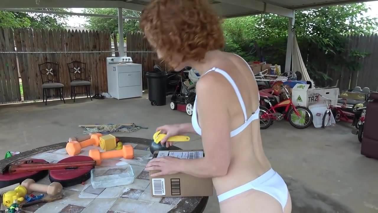 Page bikini fotos en de ellen