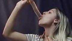 Deepthroat Queen Heather Amazing Talent on Dildo