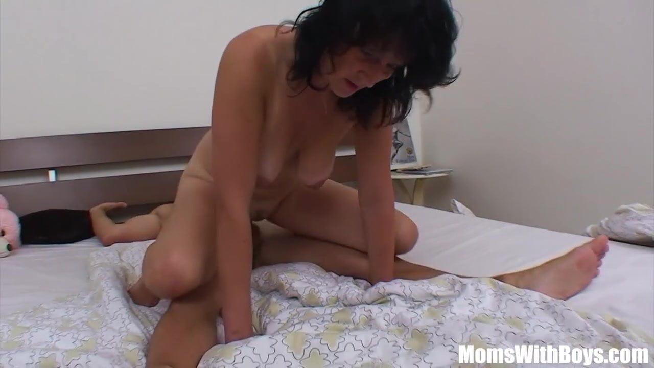MomsWithBoys Early Morning Mature Sex