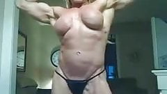 MILF SHOWS HER MUSCLE TITS