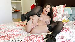 Gia Paige rubs her tight pussy good