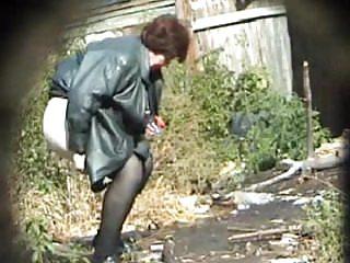Video bokep online Pissing Granny! Amateur hidden cam! 3gp
