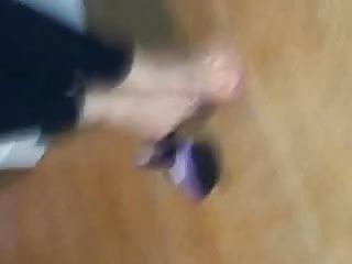 Ancora per i miei vermi Segaioli...my feet...for my slave