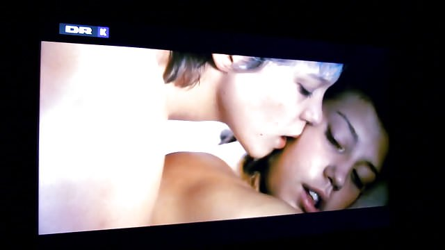 Preview 1 of Lesbian Sex (French)