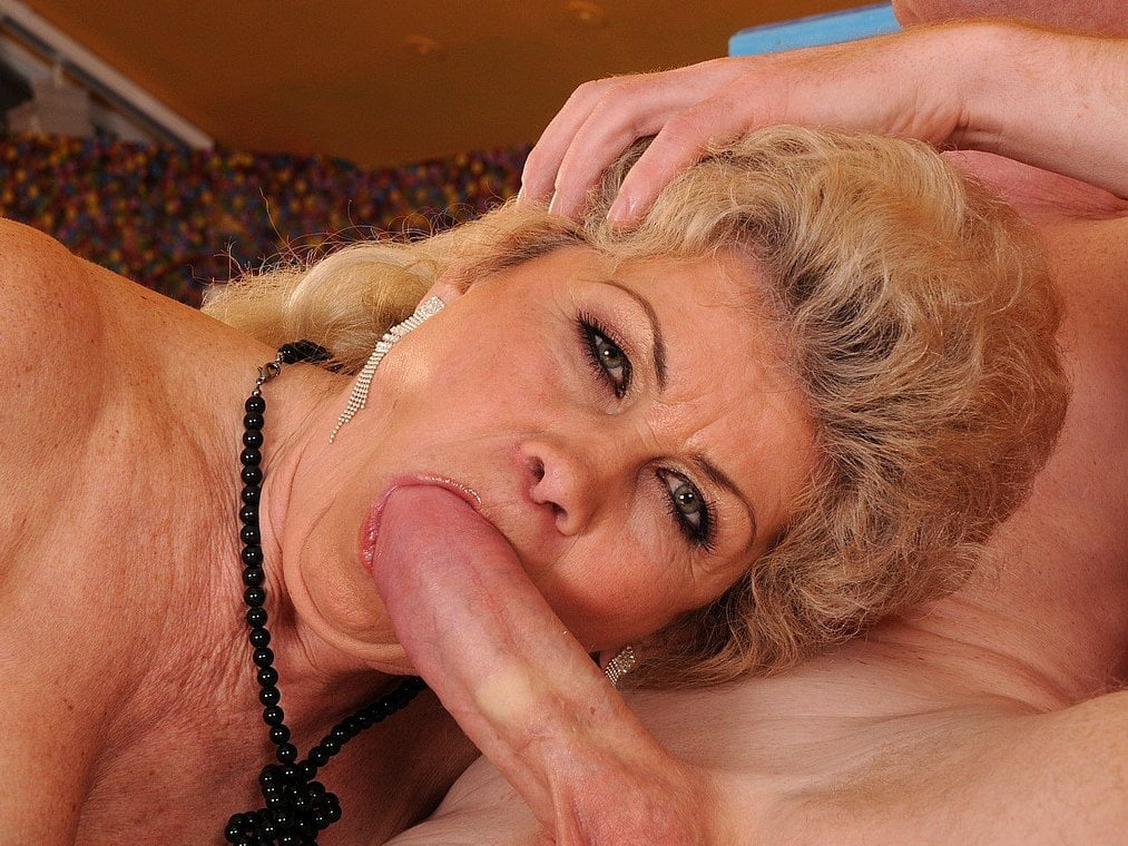 Naugthy Granny Effie Free New Granny Tube Porn Video F7-1827