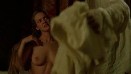 Uma thurman masturbating with big thumbs — photo 15