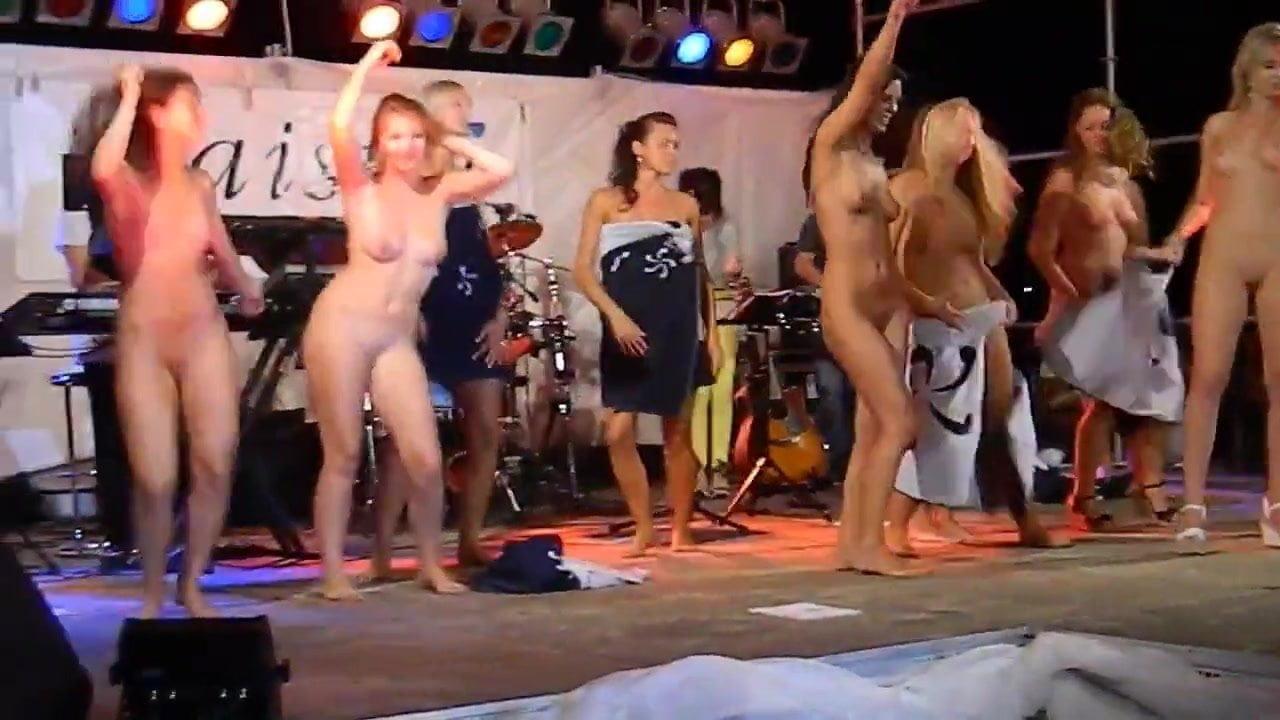 big jugg babes nude