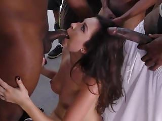This girl is a real crowd pleaser - BBC blowbang