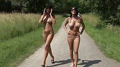 WALKING NAKED OUTDOOR -- mdm