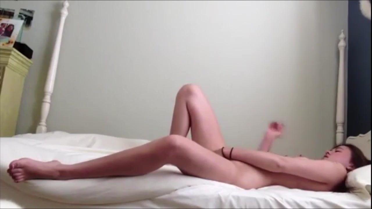 Hidden spycam my gf sitting without underwear masturbating