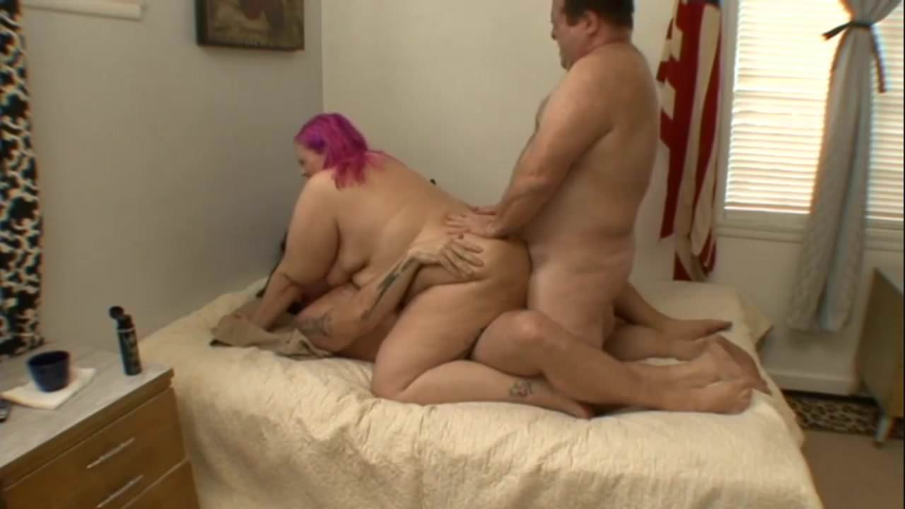 Thick white girl and fat pussy finger play