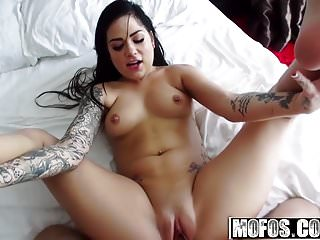 Mofos - I Know That Girl - Karmen Karma - Bathtub Boners